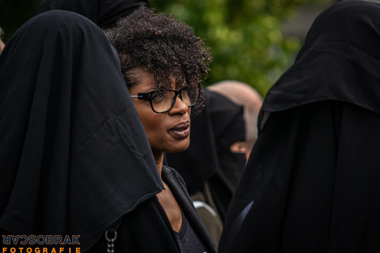 hand in hand tegen niqab verbod boerka den haag oscar brak fotografie
